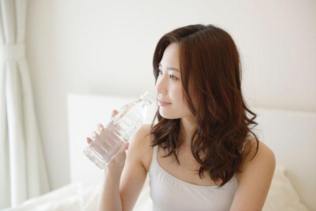 水は喉がかわいた時に飲めば良い?